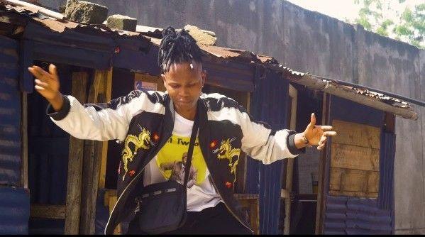 Download Video by Sam Singeli ft Mfalme Ninja – Mama wa Kambo